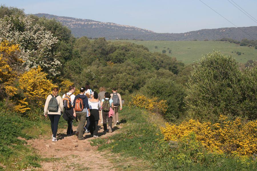viaje hembra paseo cerca de Algeciras